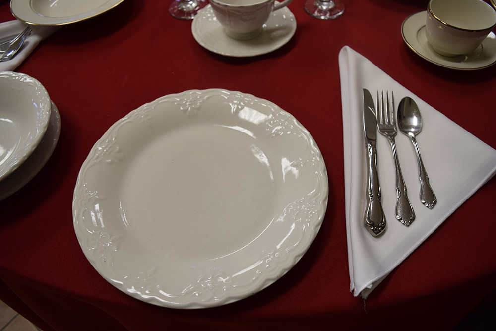 stainless-flatware
